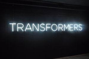 transformers_neon_epigrafi